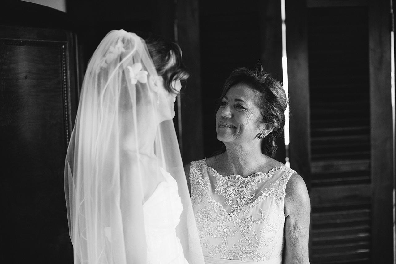 isabela_puerto_rico_villa_montana_wedding_bw_385