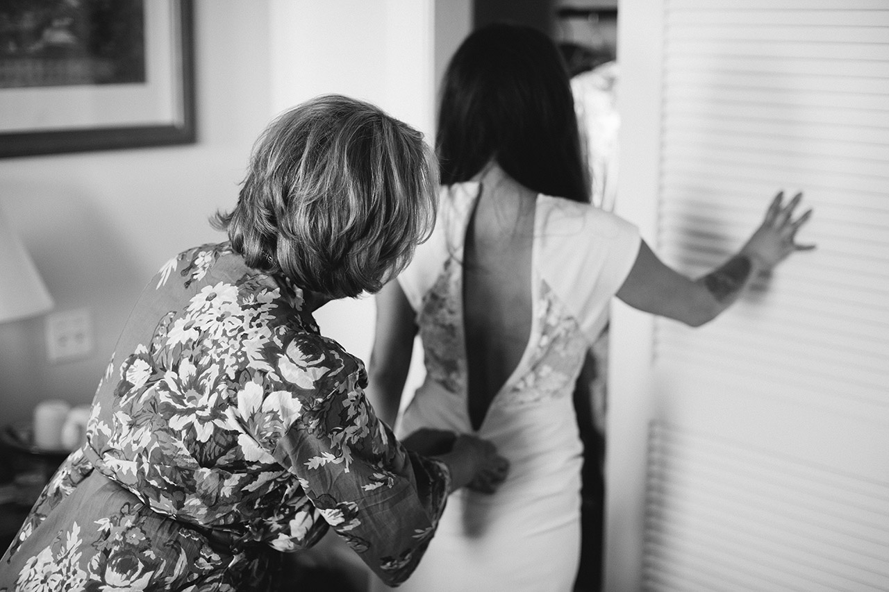 bride getting ready in hotel