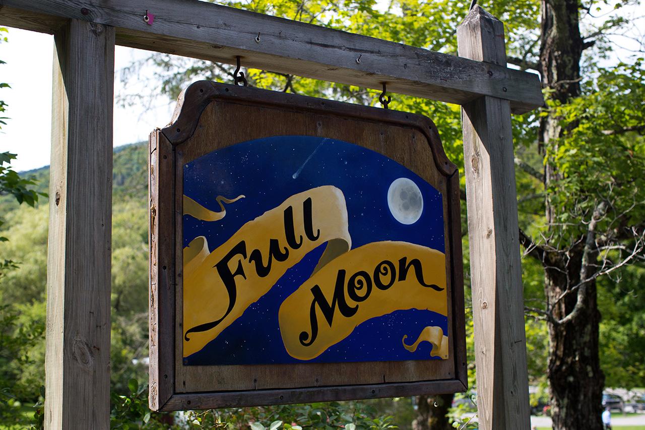 full moon resort wedding venue