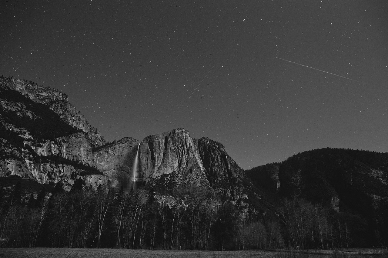 long exposure night shot yosemite