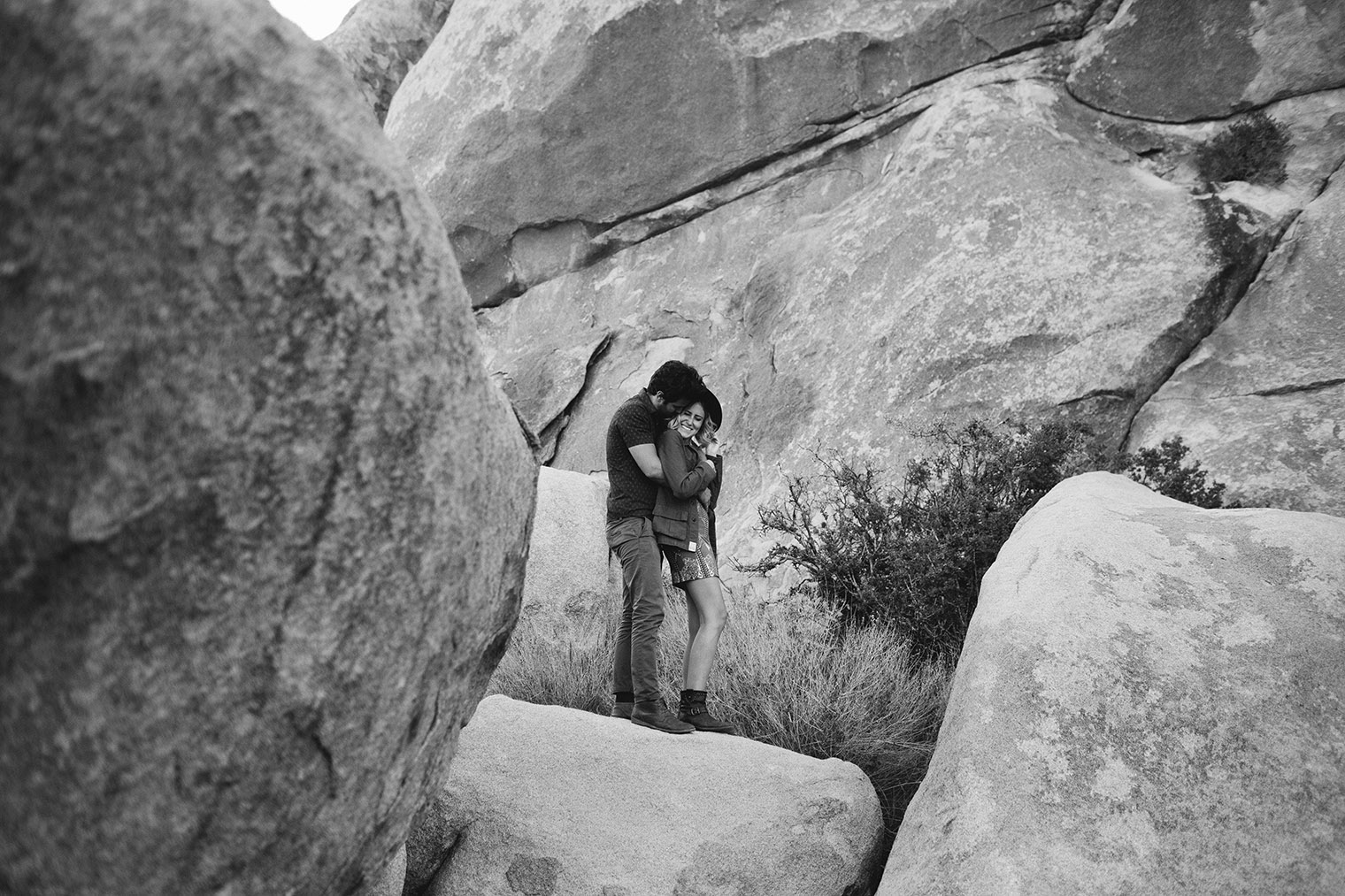 joshua tree engagement photos bw_197