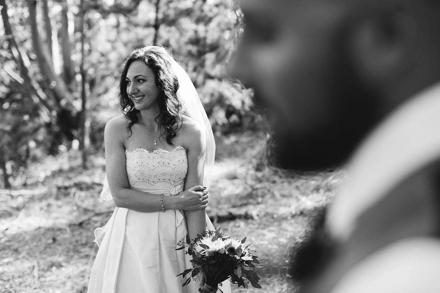 muir beach overlook bride and groom