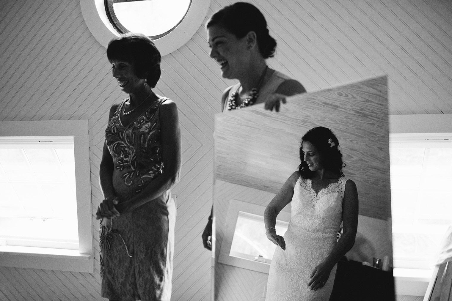 bride getting ready in catskills