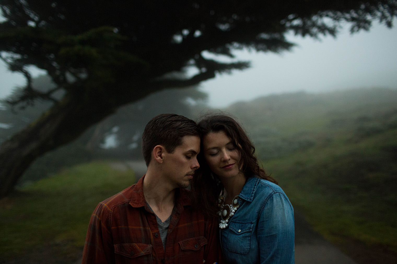 san francisco engagement session in fog