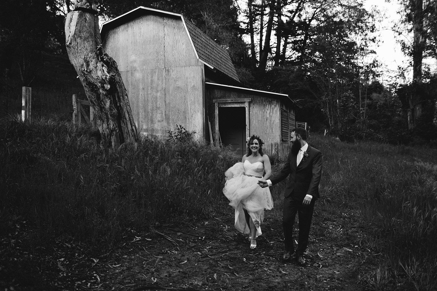 ovy camp wedding couple photos part II bw_48