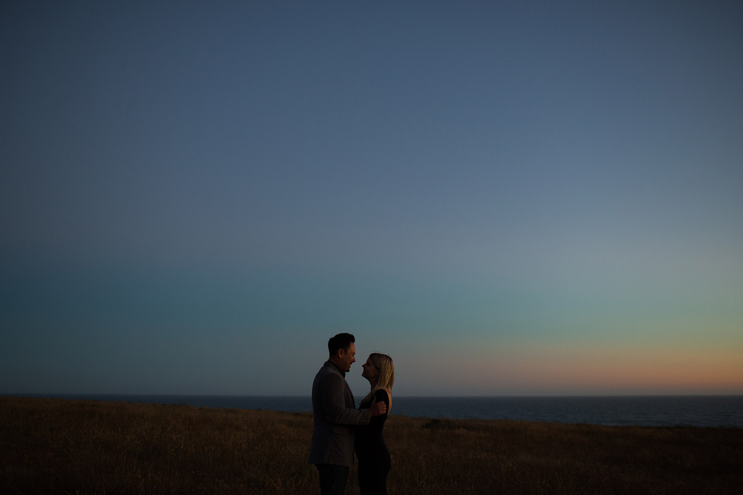 couple photos at sonoma coast state park