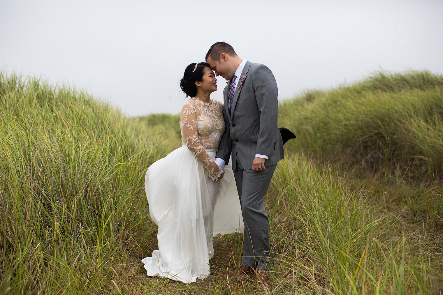 beach wedding in Oregon