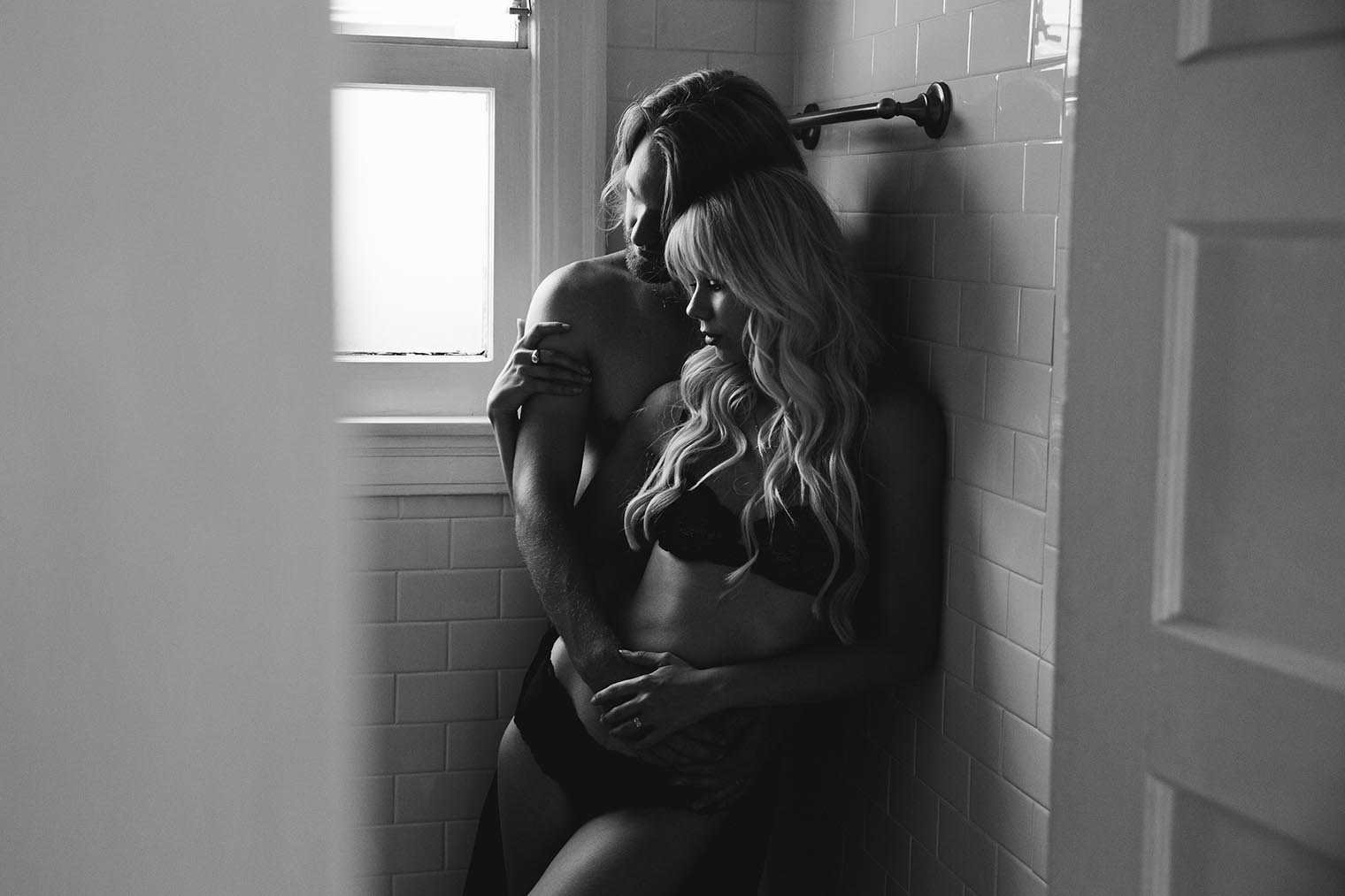 intimate couple session in venice ca