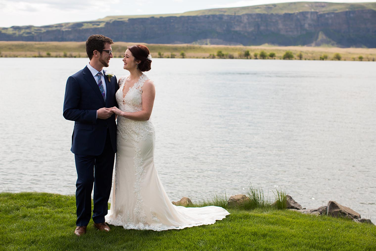 Bride and Groon Portrait by Wenatchee Wedding Photographer