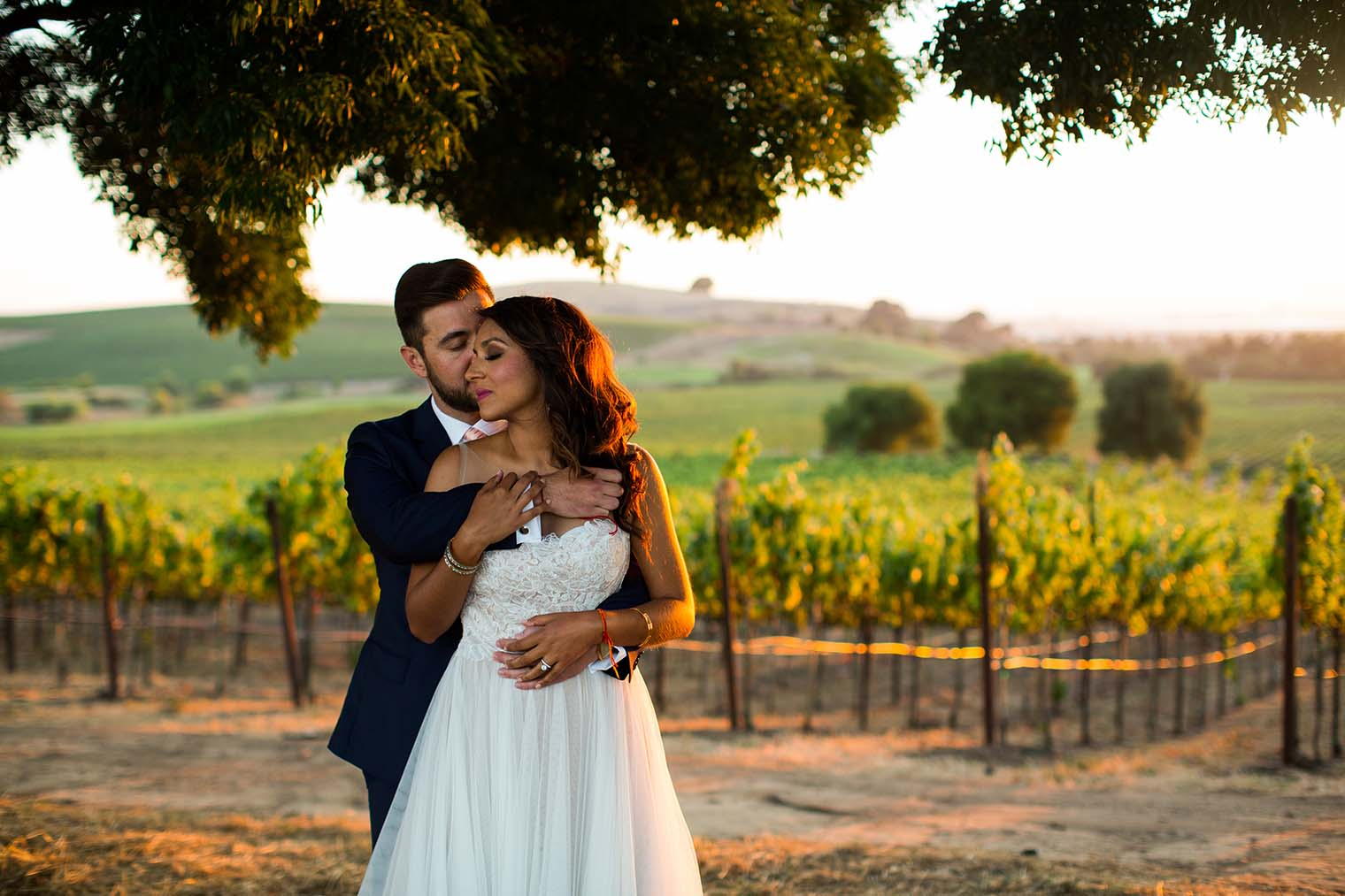 Bride and Groom sunset portraits at Chardonnay Golf Club and Vineyards