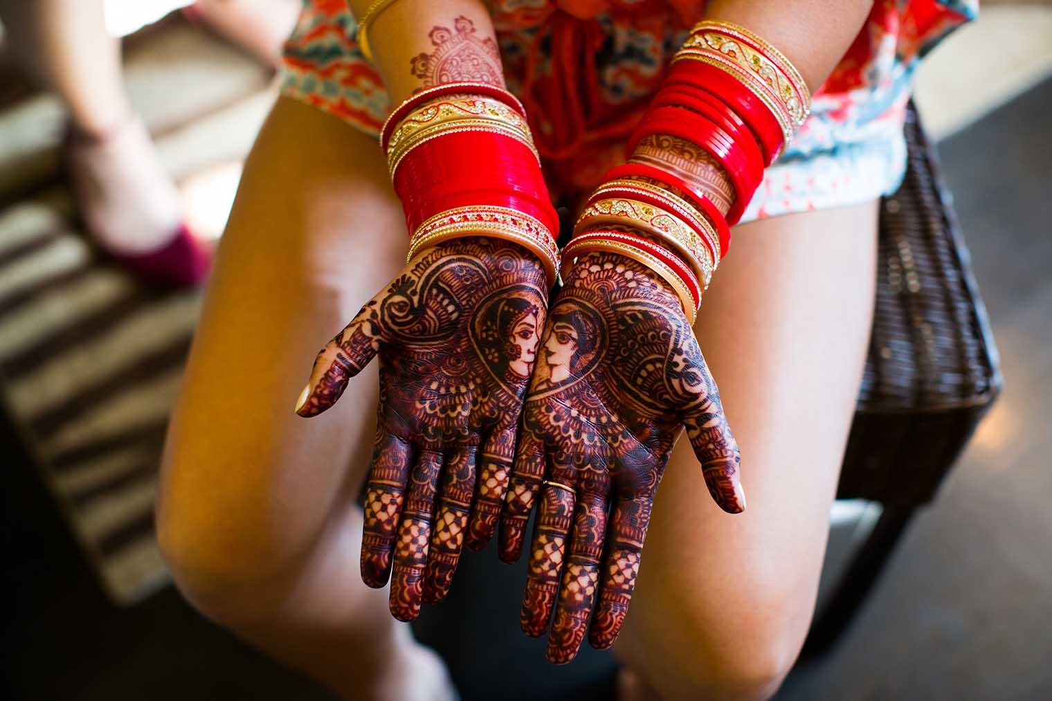 brides henna hands