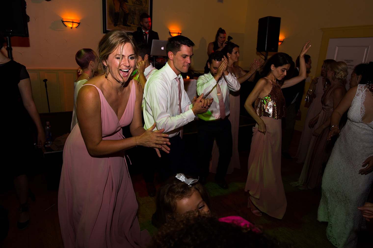 Highland Dell Lodge wedding dancing