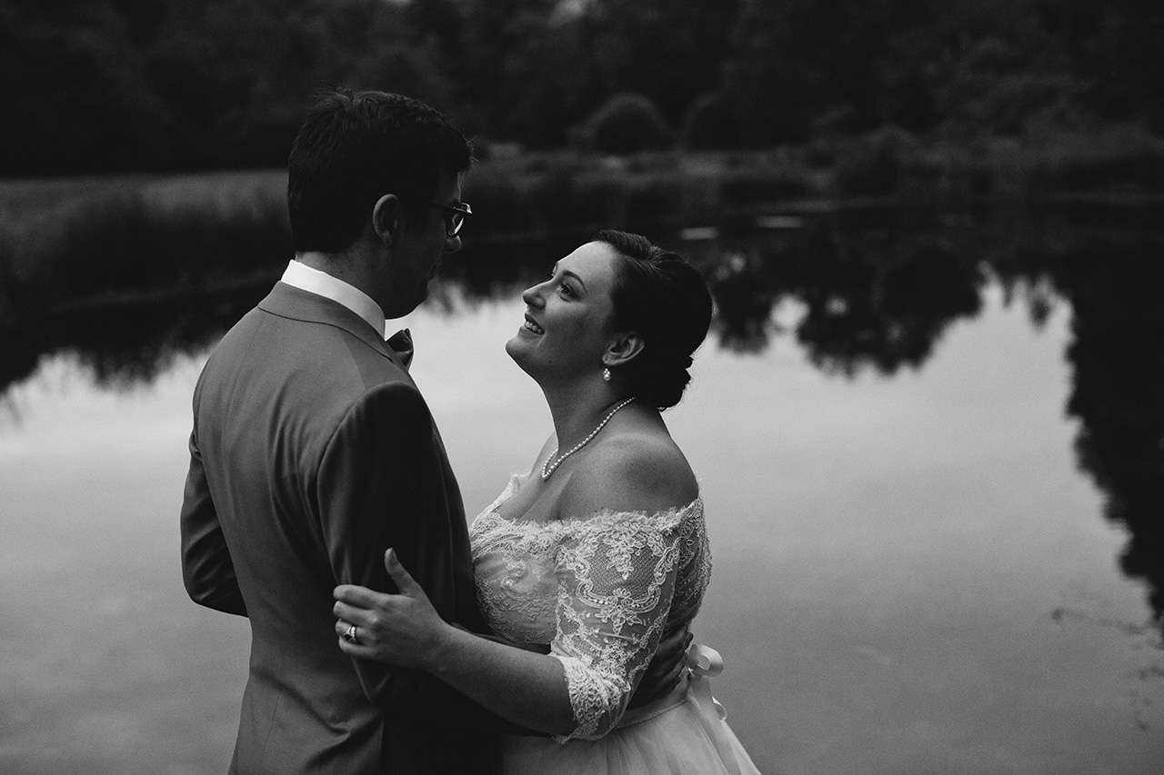 Full_Moon_Resort_NY_Wedding_R1_BW__77