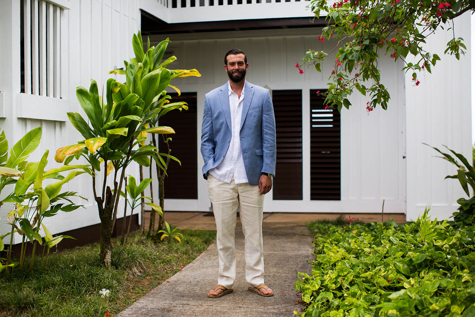 groom portrait at Kiahuna Plantation Resort