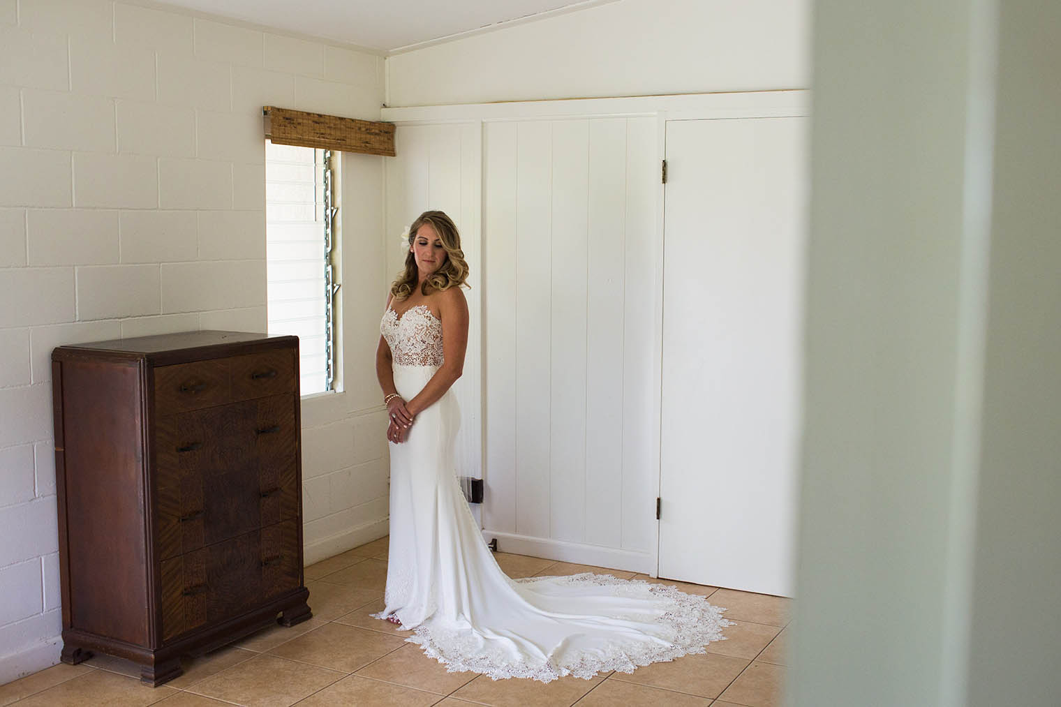 bride portrait at Kekaha Harbor House
