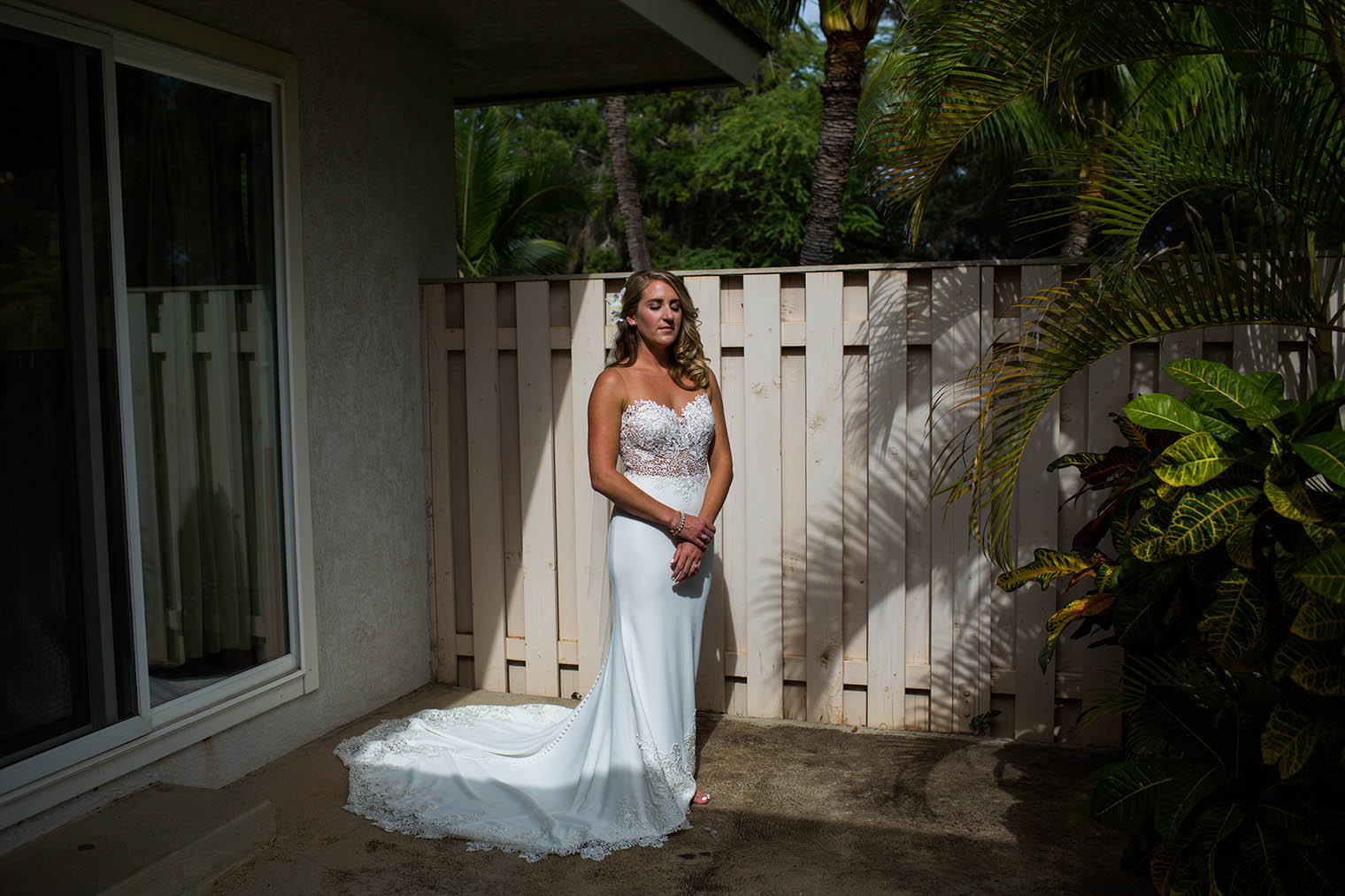 bride at Kekaha Harbor House