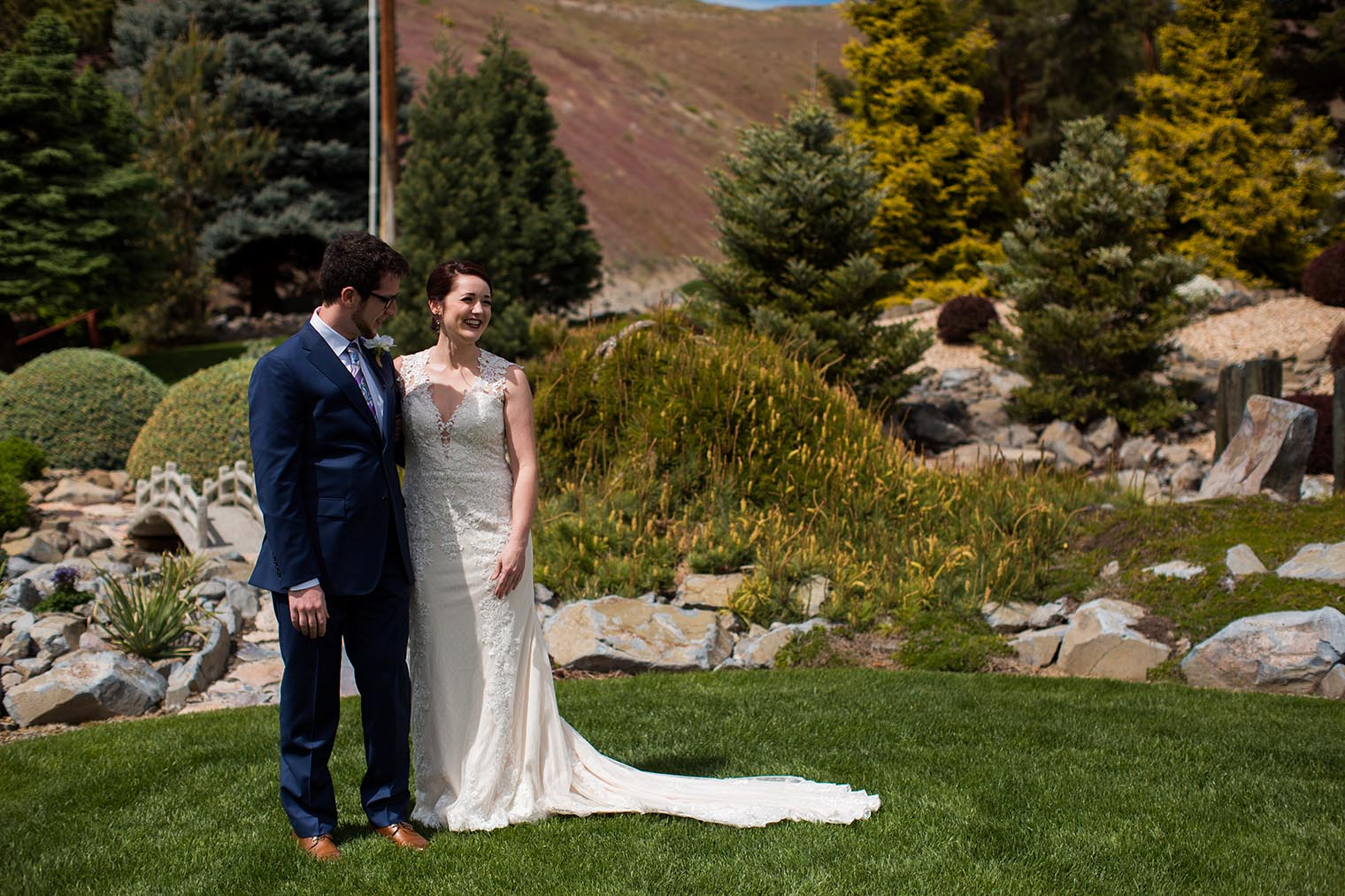 Bride and Groom First Look in Wenatchee WA