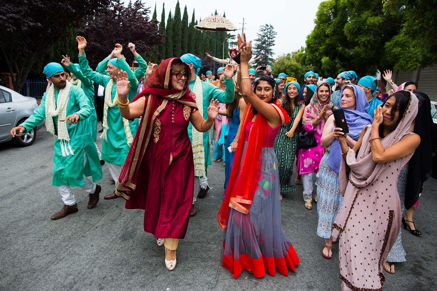 Documentary Wedding Photographer at Gurdwara Sahib of Fremont
