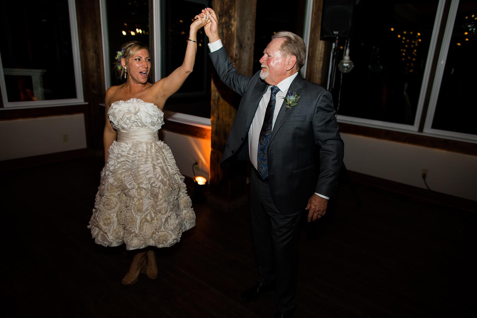 first dance at heritage house resort wedding